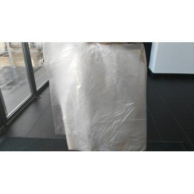 Paquete de 500 bolsas colgantes de 350x450 mm.