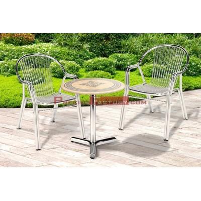 Juego mesa de aluminio anodizado con tablero werzalit mosaico de Ø70 y 4 sillas de aluminio anodizado