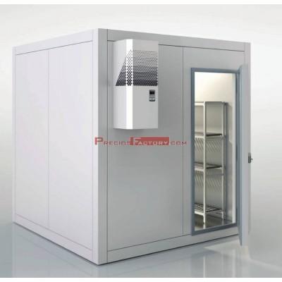 Cámara refrigeración con equipo frigorífico y estanterias